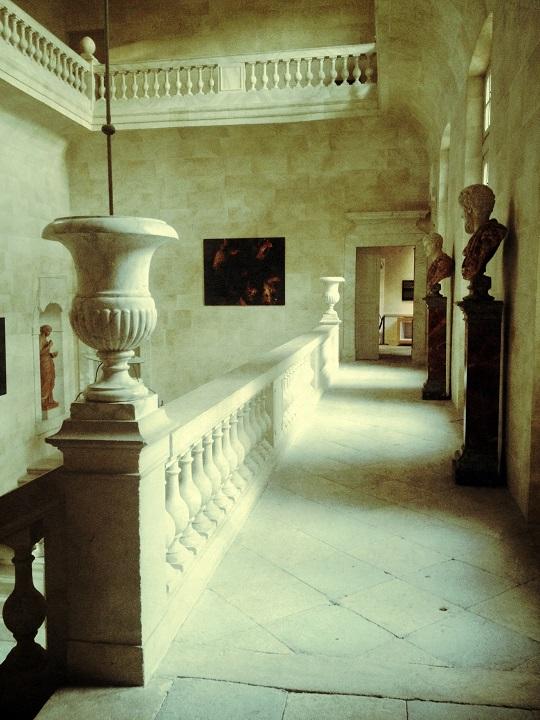 L'escalier d'honneur du Château de Suze la Rousse